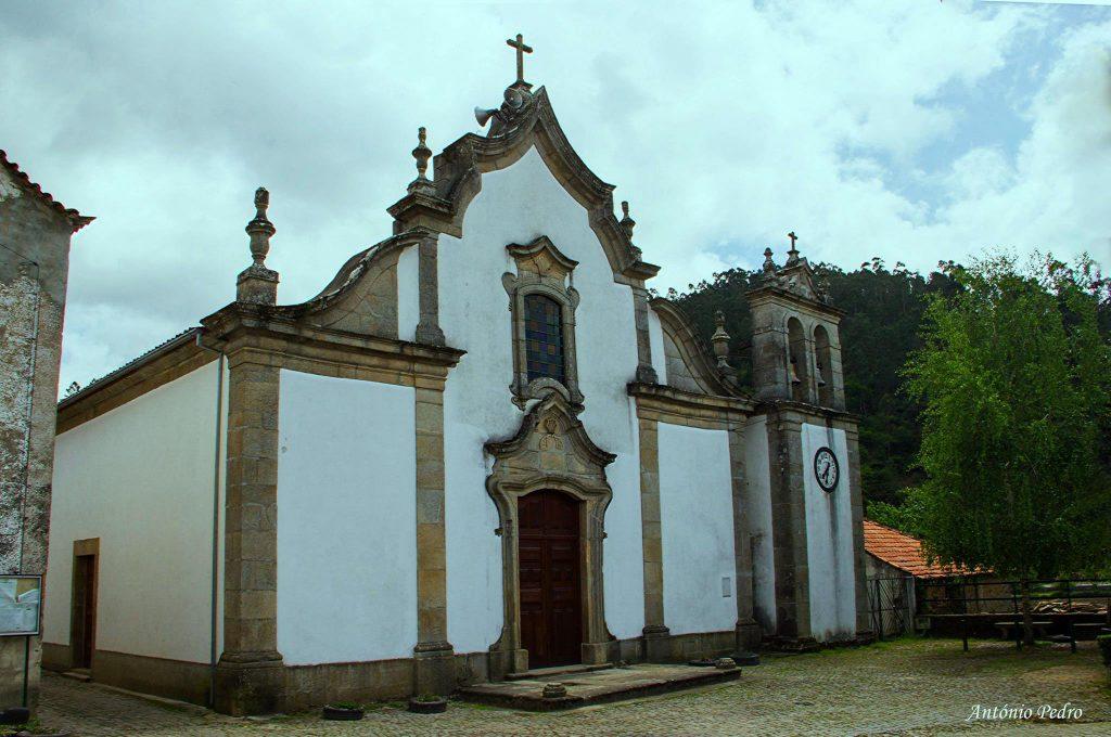 Igreja Pomares